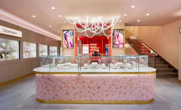 Stroili svela il nuovo flagship store a Milano