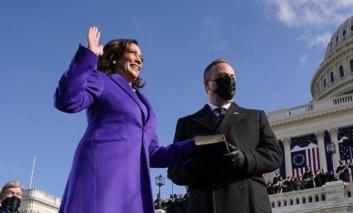 Comincia l'era Biden-Harris, e la moda Usa torna sotto i riflettori