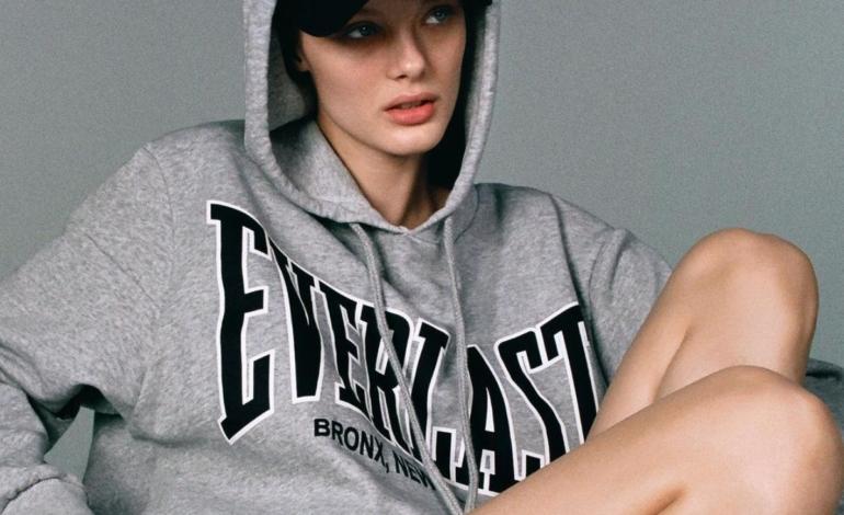 Zara sigla una capsule. Con lo sportswear Everlast