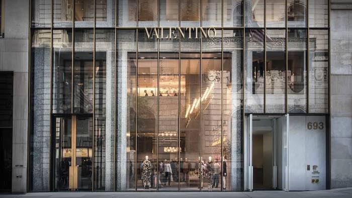 Lascia il flagship di Ny, Valentino citato in giudizio