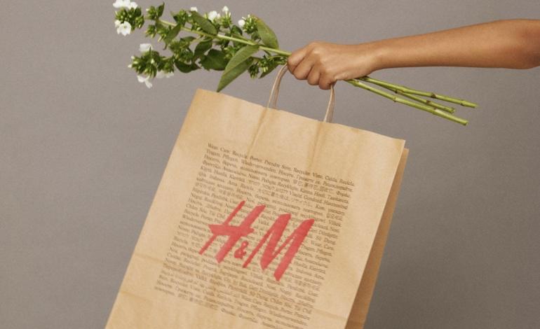H&M mette i sacchetti a pagamento: 0,10 cent l'uno