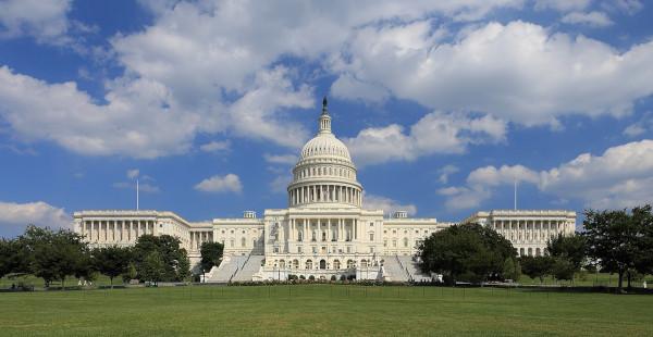 Senato Usa, prosegue la battaglia ai falsi online