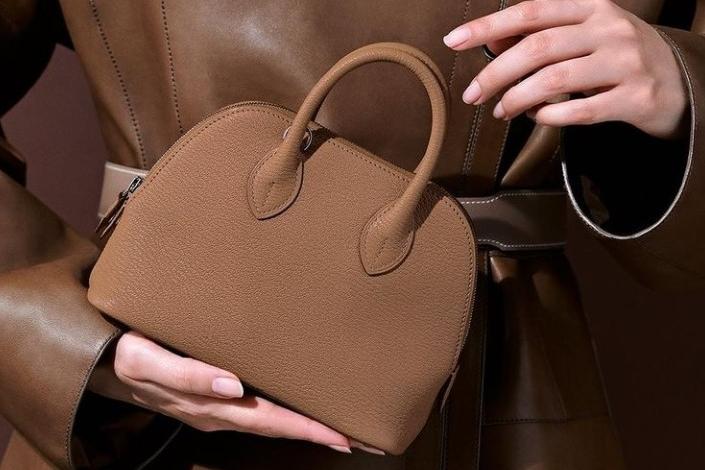 Le borse di Hermès superano l'oro: sono le regine degli investimenti 2020