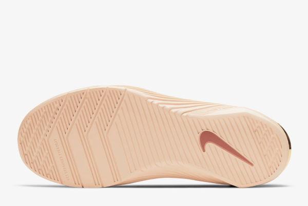 Nike cresce nel Q3. Ma frena negli Usa