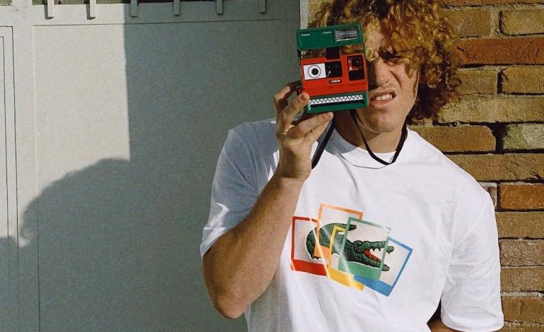 Lacoste fotografa il mood della primavera con Polaroid