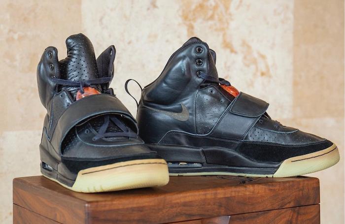 Quasi 2 milioni $ per le sneaker di Kanye West