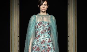 Le prime sfilate 'normali' nella couture di Parigi. I big saranno in presenza