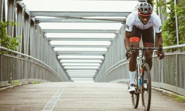 Le bici di Cinelli lanciano l'abbigliamento con Futura