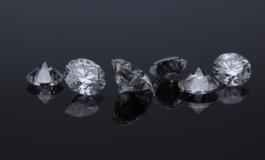 Corsa ai diamanti, De Beers rincara del 10%