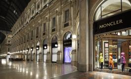 Moncler in Galleria, con un corner di pasticceria
