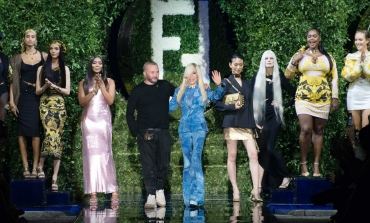 Scambio creativo tra Fendi e Versace. In passerella c'è Fendace
