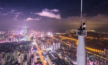 Cina, la frenata del Pil gela il lusso europeo